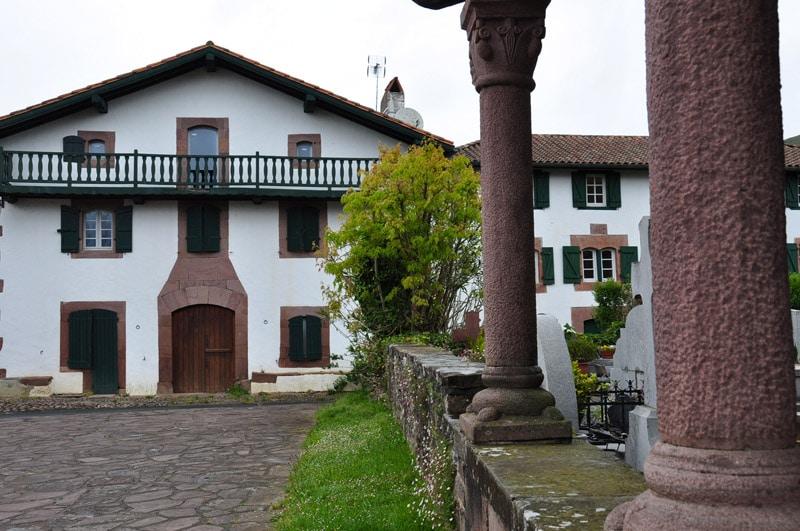 Les cromlechs d occab ou okab iliade institut pour la longue m moire europ enne for Photos maison basque