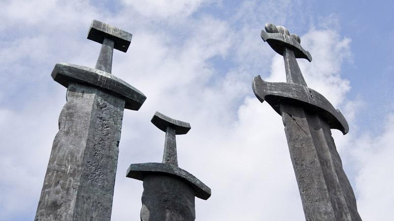 La Voie de l'épée. Symbolisme du sabre au Japon et en Europe
