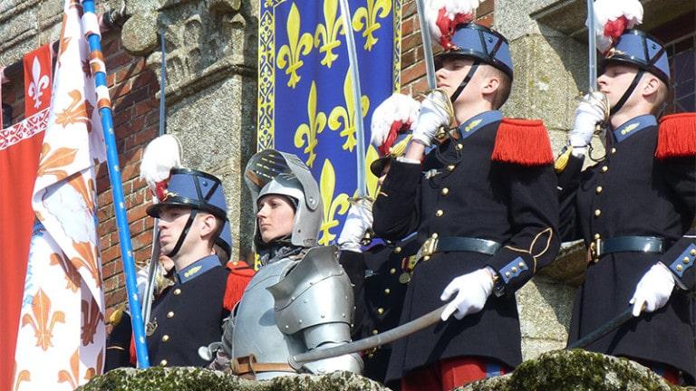"""Reportage au Puy du Fou : l'anneau de Jeanne d'Arc, """"annonciateur d'un nouveau printemps à venir"""""""