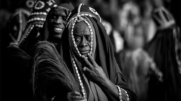 """""""Africains dépigmentés"""", ascendances """"sarrasines"""" : l'obsession de l'ailleurs"""