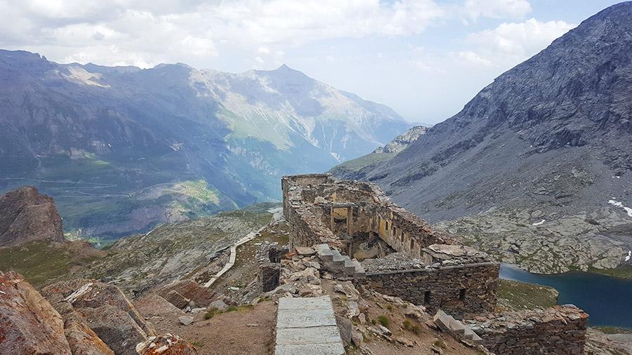 Vue sur l'Italie depuis le fort de Malamot