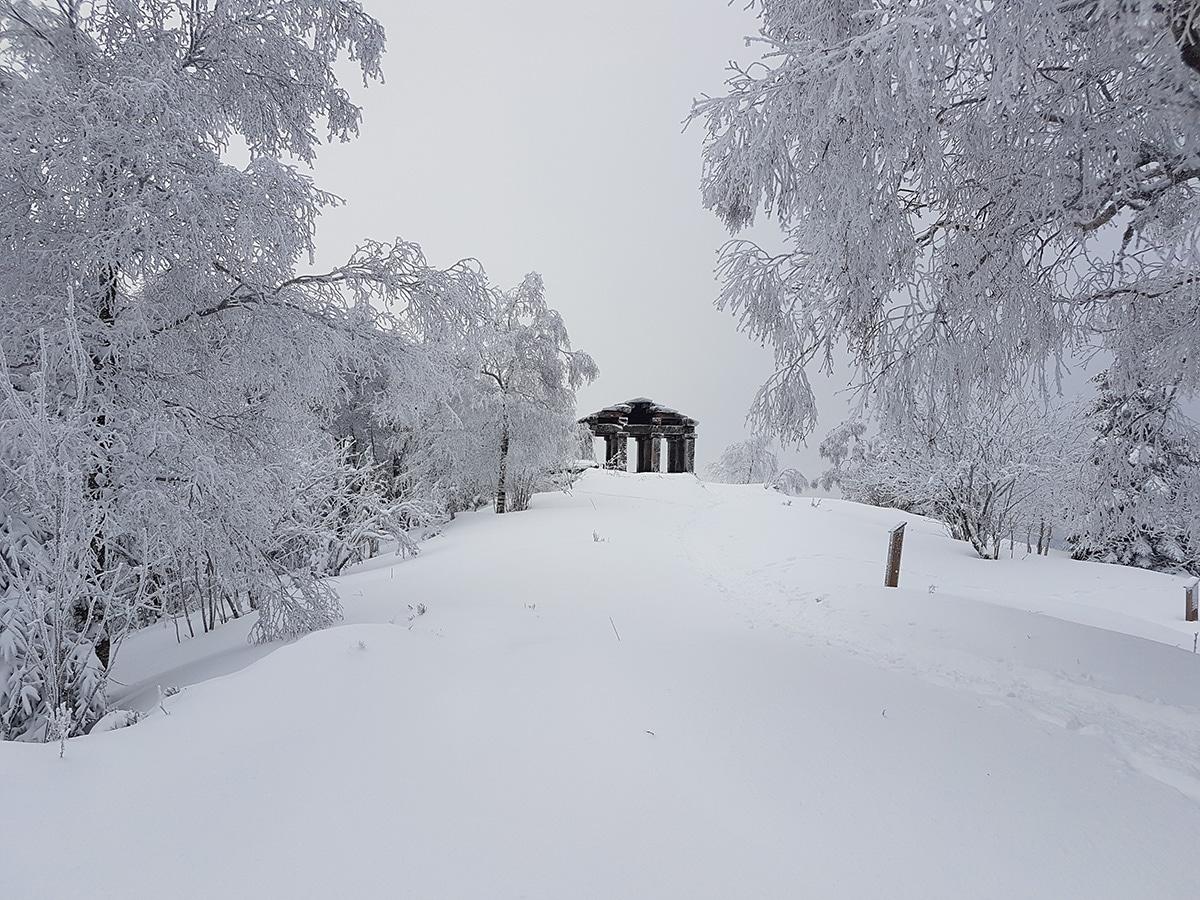Le temple-musée sous la neige